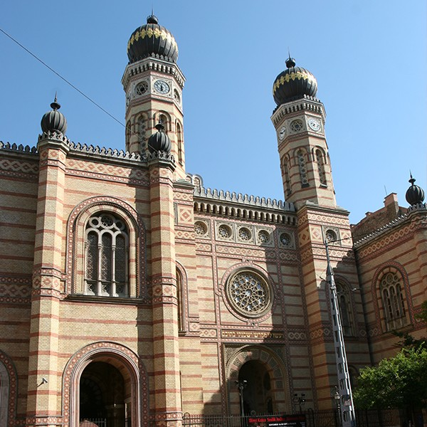Essential tour Budapest